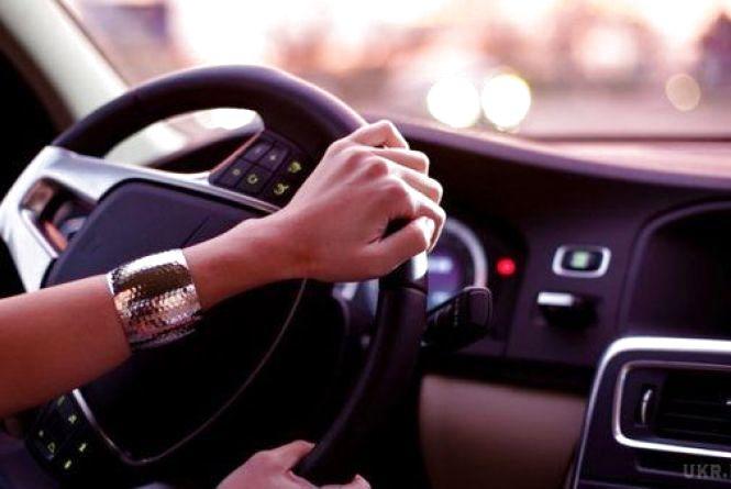 На Тернопільщині жінка-адвокат протягнула водія на капоті 700 метрів. Чоловік загинув