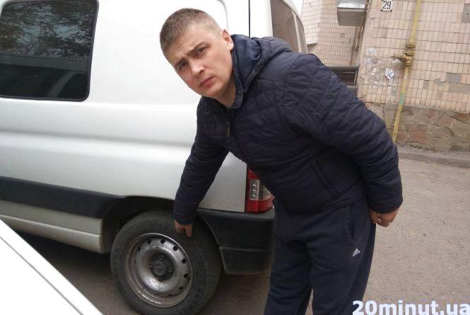 На Злуки пробили шини чотирьом автомобілям
