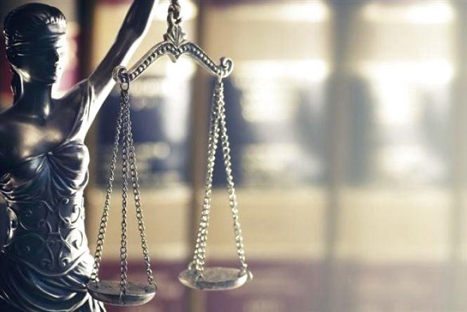 Суд виправдав екс-міліціонера, обвинуваченого  у хабарництві. Тепер йому ще й заплатять