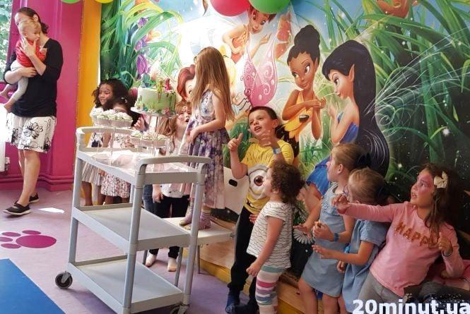 Історії тернополян: в Англії діти з 4 років – у школу. За пропуски - в поліцію