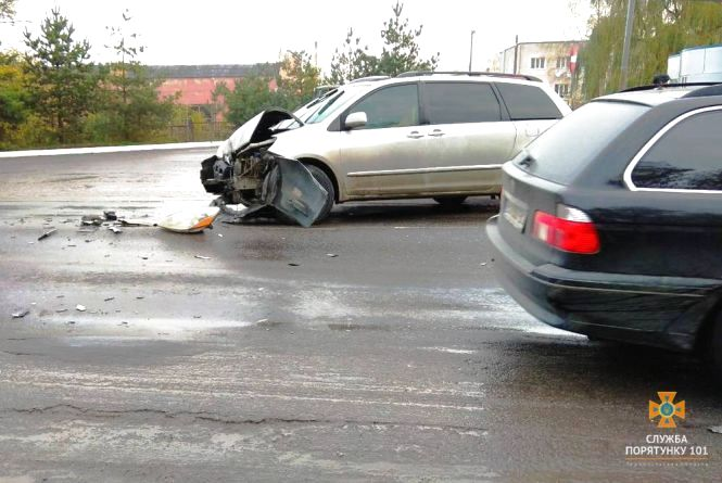 Поблизу Тернополя сталась аварія: зіткнулись Toyota та ЗІЛ