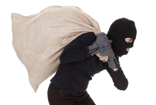 Обікрав, підпалив, а з краденим поїхав на краденому велосипеді