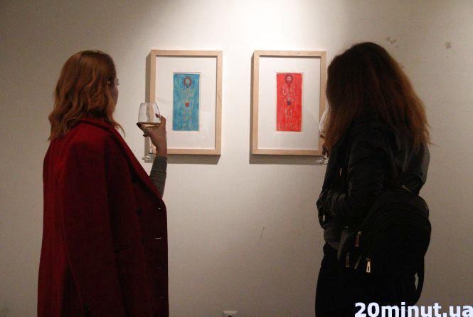 Львівський художник показав, як малює святих у стилі мінімалізму
