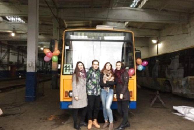 Тернополяни тепер їздитимуть на тематичному тролейбусі «Збережемо здоров'я нації»