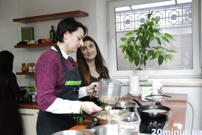 Тернополяни вчилися готувати десерти без шкоди для фігури