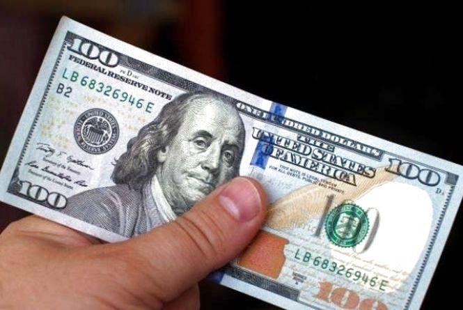 Тернополянин не зачинив вхідні двері і втратив 470 доларів