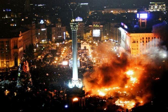 На виставці - драматичні фото з Майдану, які зробив Герой Віктор Гурняк