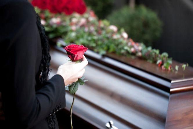 Деяким тернополянам виплачуватимуть допомогу на похорони