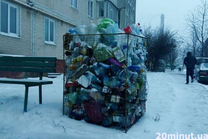 Від нового року не вивозять ПЕТ-пляшки, обурюються тернополяни