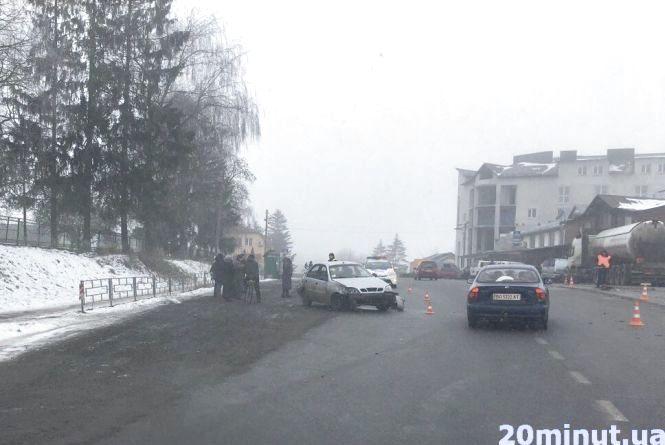 """Через ДТП в Озерній в лікарню потрапили дві  пасажирки """"Жигулів"""""""