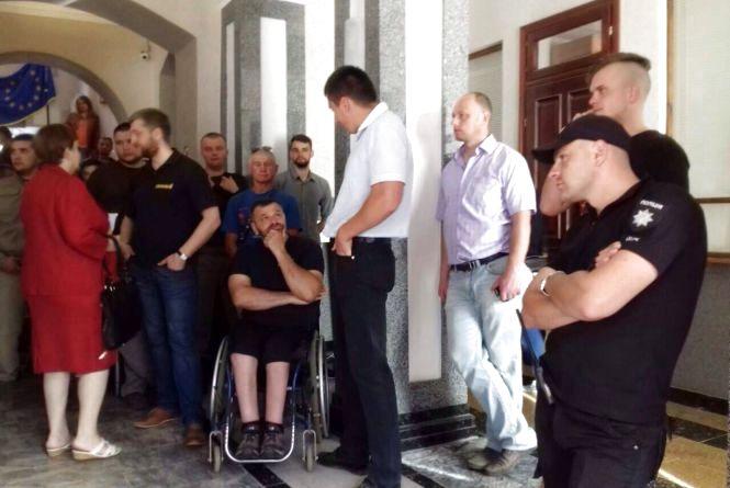 Розслідування щодо побиття депутатом Баштою поліцейських завершили. Матеріали – у прокуратурі