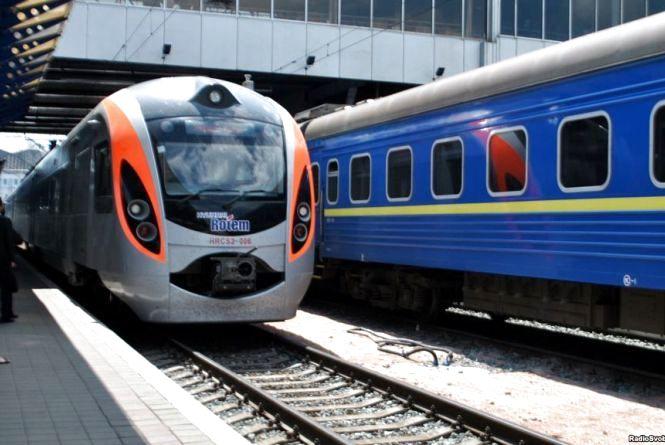 Укрзалізниця в 2018 році планує двічі підняти ціну на квитки