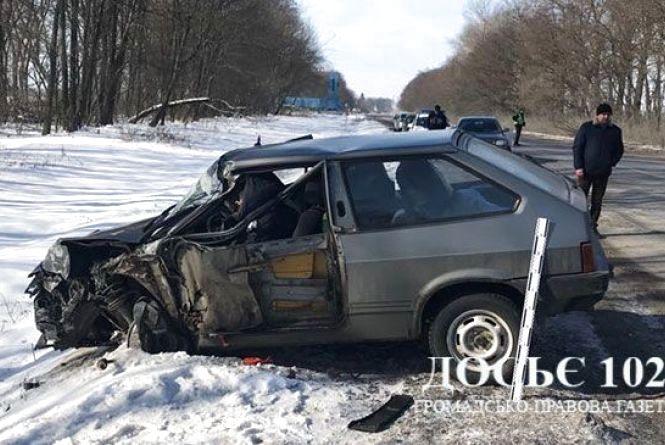 """Смертельна аварія на Тернопільщині: """"вісімка"""" зіткнулась із вантажівкою DAF"""