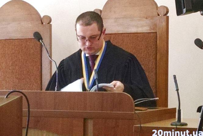 Екс-свободівець Роман Навроцький  судиться з ТВК