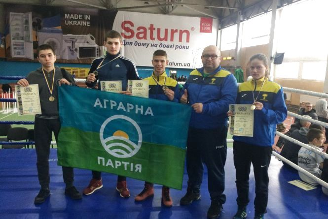Тернопільські кікбоксери здобули чотири медалі на чемпіонаті України