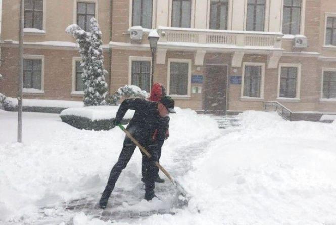 Штормове попередження! Сніг до 25 см та хуртовини: на Тернопільщину суне негода