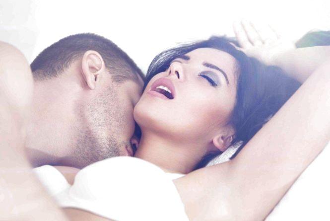 Як покращити потенцію та задовольнити жінку в ліжку