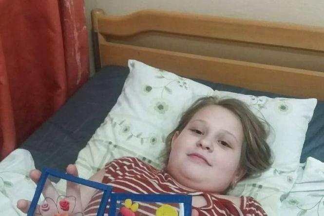 Вона сумує за однокласниками, а потрібна ще одна операція. Допоможіть 9-річній Софійці Копач