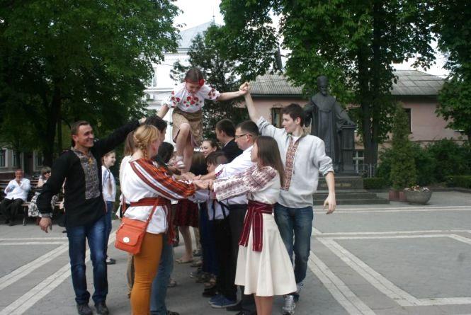 Забави понеділкового Великодня у Тернополі