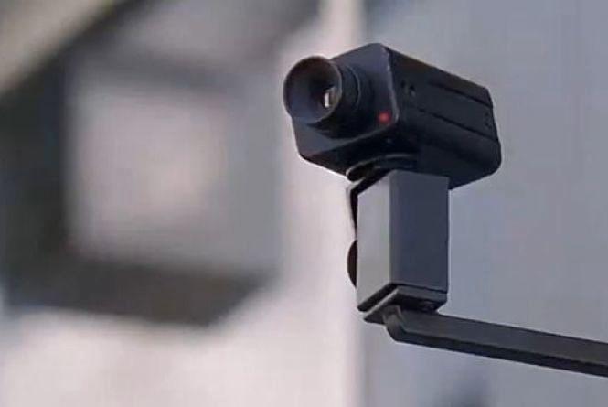 На перехресті Руської та Хмельницького встановили камеру спостереження