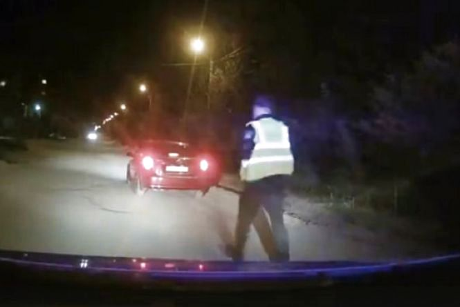 На Київській патрульні затримали п'яного водія Chevrolet Lacetti, який ледве тримався на ногах