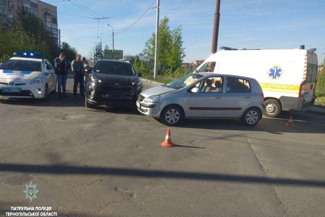 На Алясці водій KIA не пропустив Hyundai. Постраждали жінка та двоє дітей