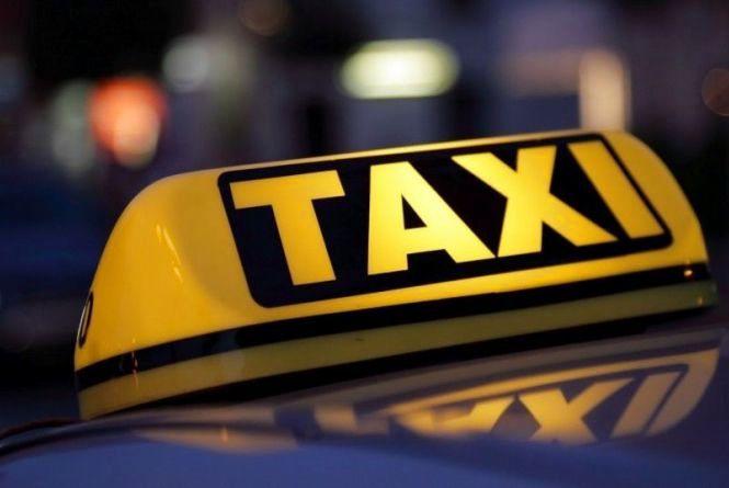 Патрульні зафіксували 13 ДТП з вини водіїв таксі