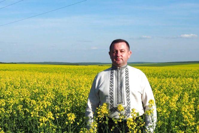 «Всі вишиванки, які в мене є – вишила дружина», - голова Теребовлянської райадміністрації Юрій Ништа