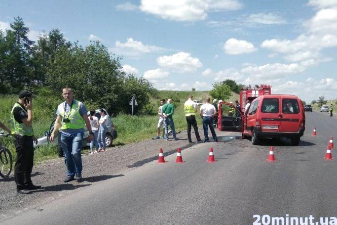 В аварії на Зборівщині на Зелені свята покалічились шестеро. З них двоє – діти