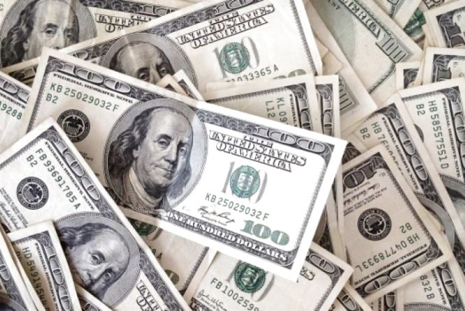 Судитимуть аферистів, які підробляли американські долари у великій кількості