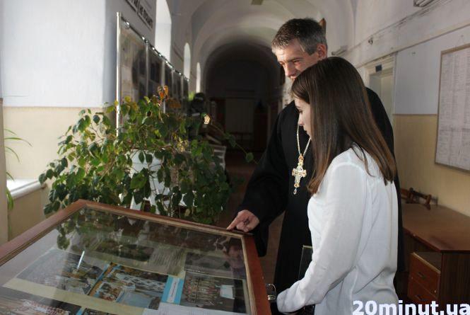 Він був авторитетом навіть для атеїстів. У Тернополі відкрили виставку в пам'ять про Любомира Гузара