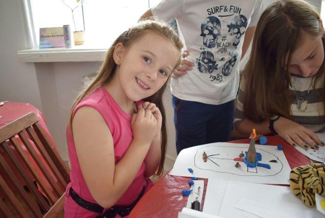 Тернополяни навчились створювати мультики з однієї смужки паперу(ФОТО)