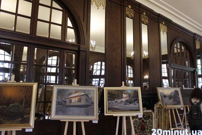 Дзеркальну залу за понад чотири мільйони відкрили у Вишнівці