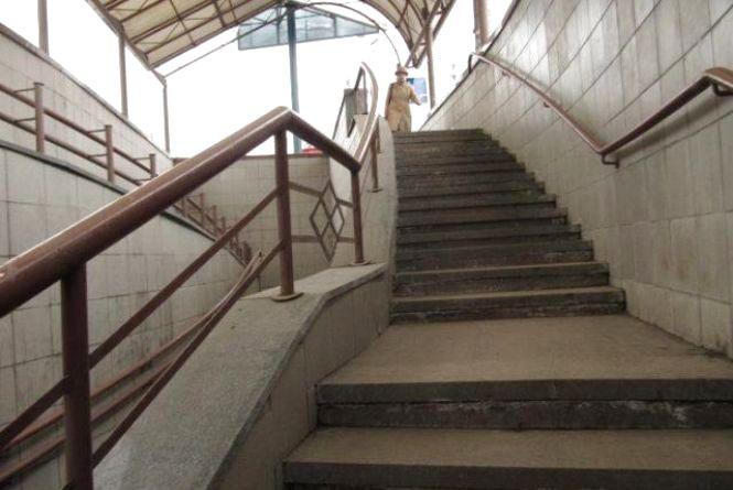 У Тернополі пропонують побудувати наземний або підземний пішохідний перехід через вулицю Руську