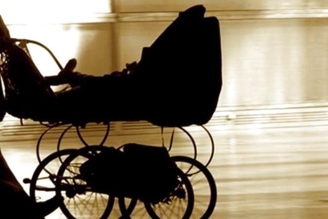 У Тернополі бабуся забрала коляску з дитиною. Мама подумала, що викрали (оновлено)