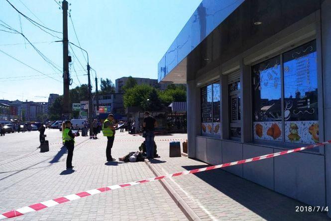 На тернопільському вокзалі шукають вибухівку