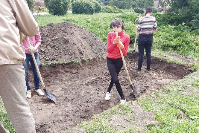 Поблизу Тернопільського замку тривають розкопки