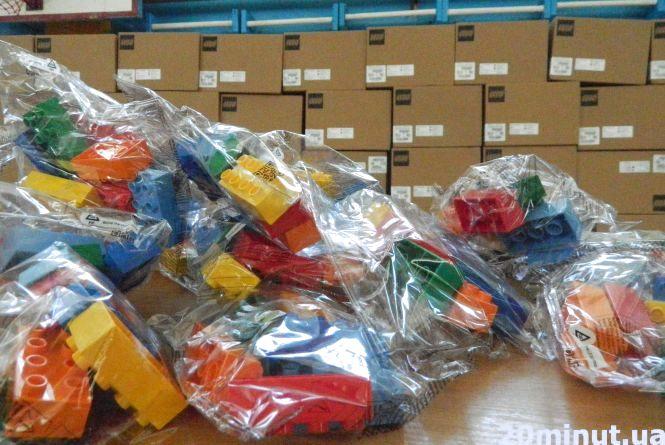 6 цеглин «LEGO»  - кожному першокласнику