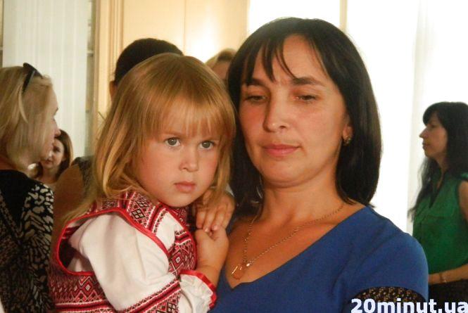 Чотири молоді сім'ї  отримали сертифікати на квартири у Тернополі