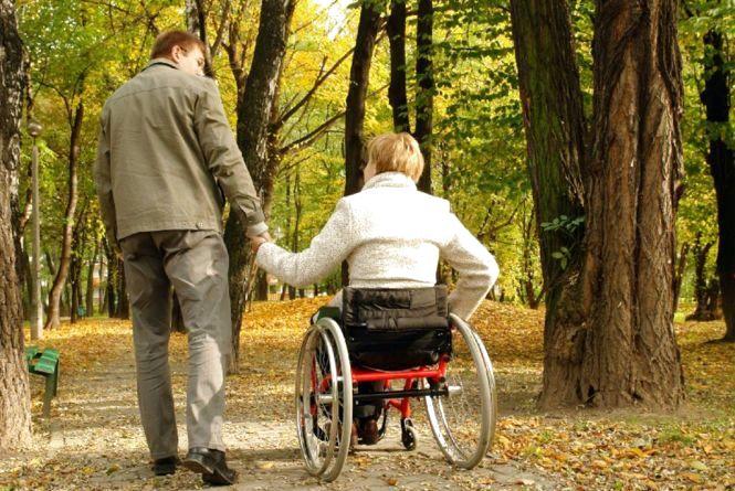 У Тернополі допомагатимуть безнадійно хворим та особам з інвалідністю, яким більше 18 років