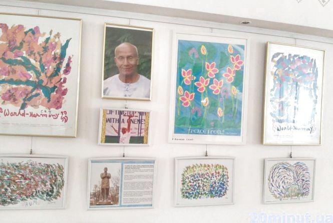 """У """"Перемозі"""" - виставка картин, які рятують від буденності"""