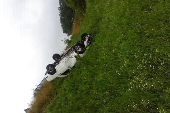Фото дня: Біля Бережан машина злетіла з моста