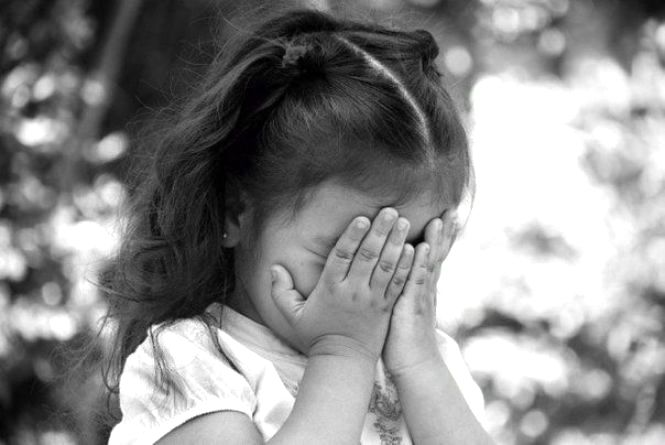 На Тернопільщині дитині сокирою відрубало палець