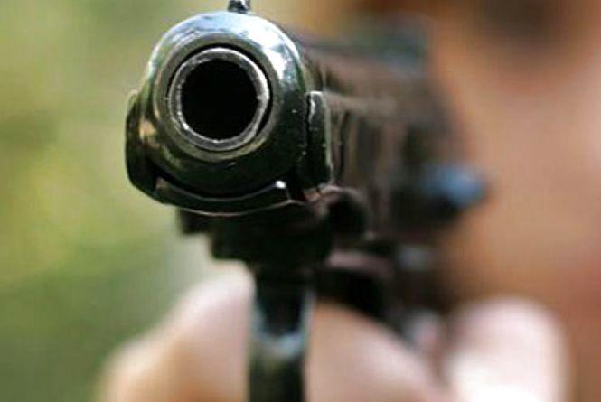 Тернополянин стріляв по людях та бризнувв обличчя сльозогінним газом