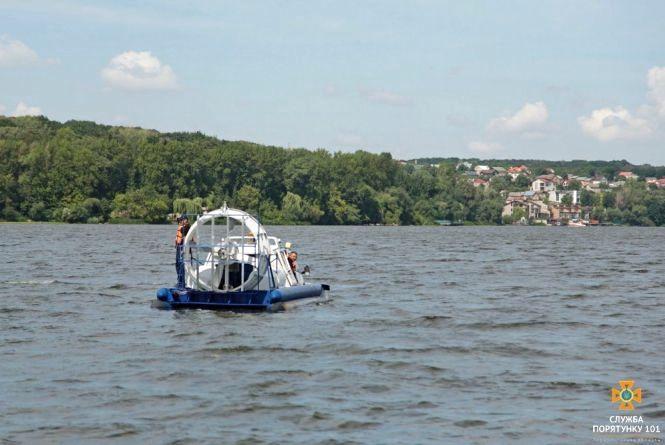 У Тернополі на ставі врятували чотирьох людей