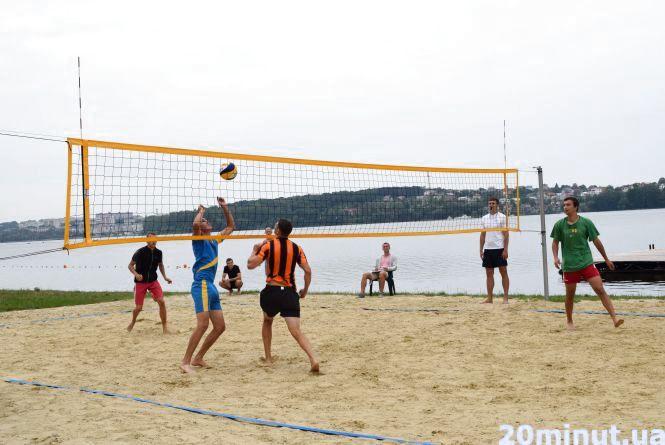 Турнір з пляжного волейболу провели на Циганці