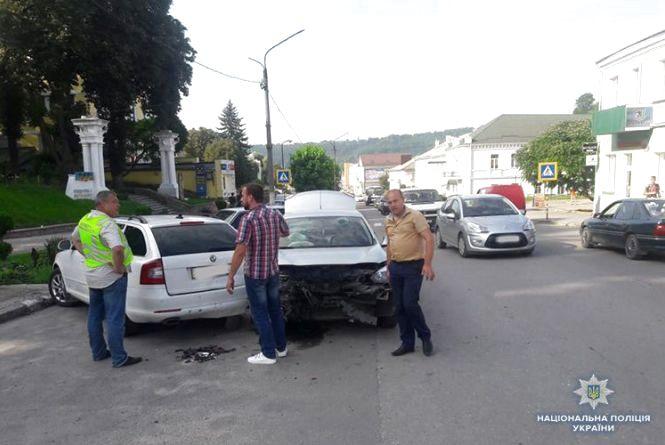 В аварію у Кременці потрапив міський голова Почаєва Василь Бойко