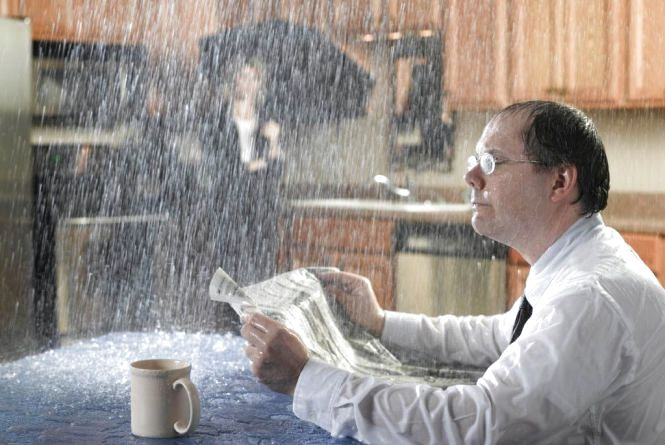 """""""У квартирах падає дощ"""": мешканці будинку на Протасевича вимагають вирішення проблеми"""