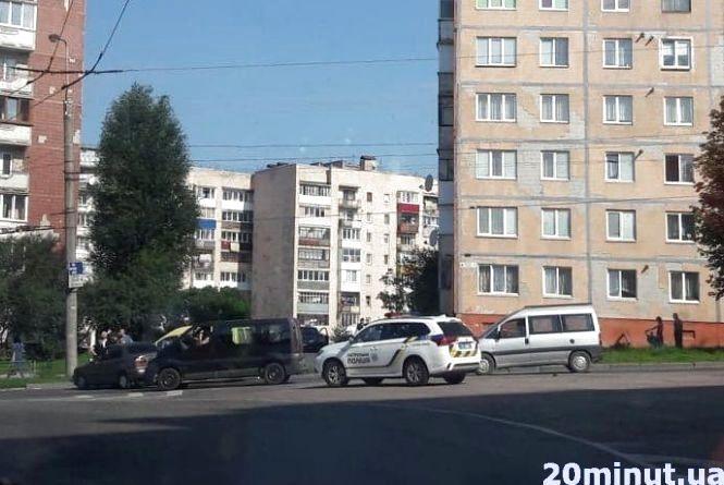 На Тарнавського зіткнулись дві легківки