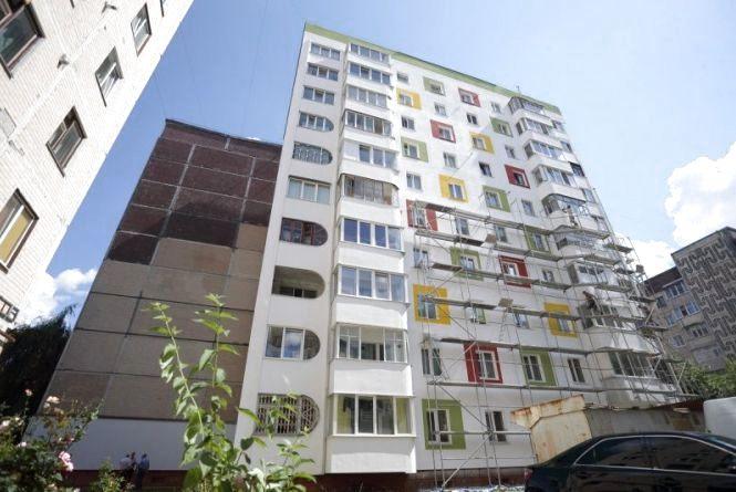 На Вишнівецького утеплюють будинок. Мешканці зможуть економити на комуналці до 50%
